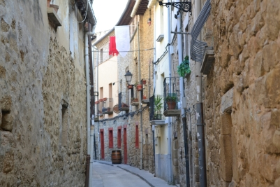 The narrow streets of Olite