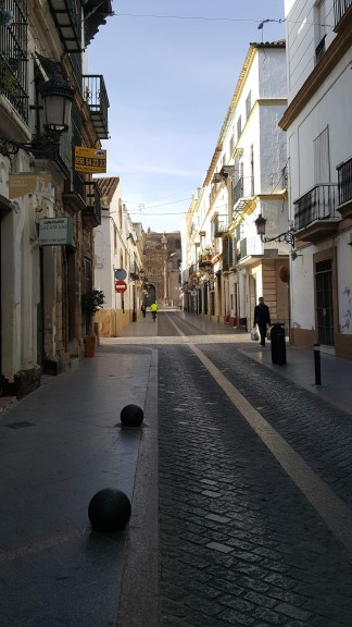 The narrow streets of old El Puerto de Santa Maria